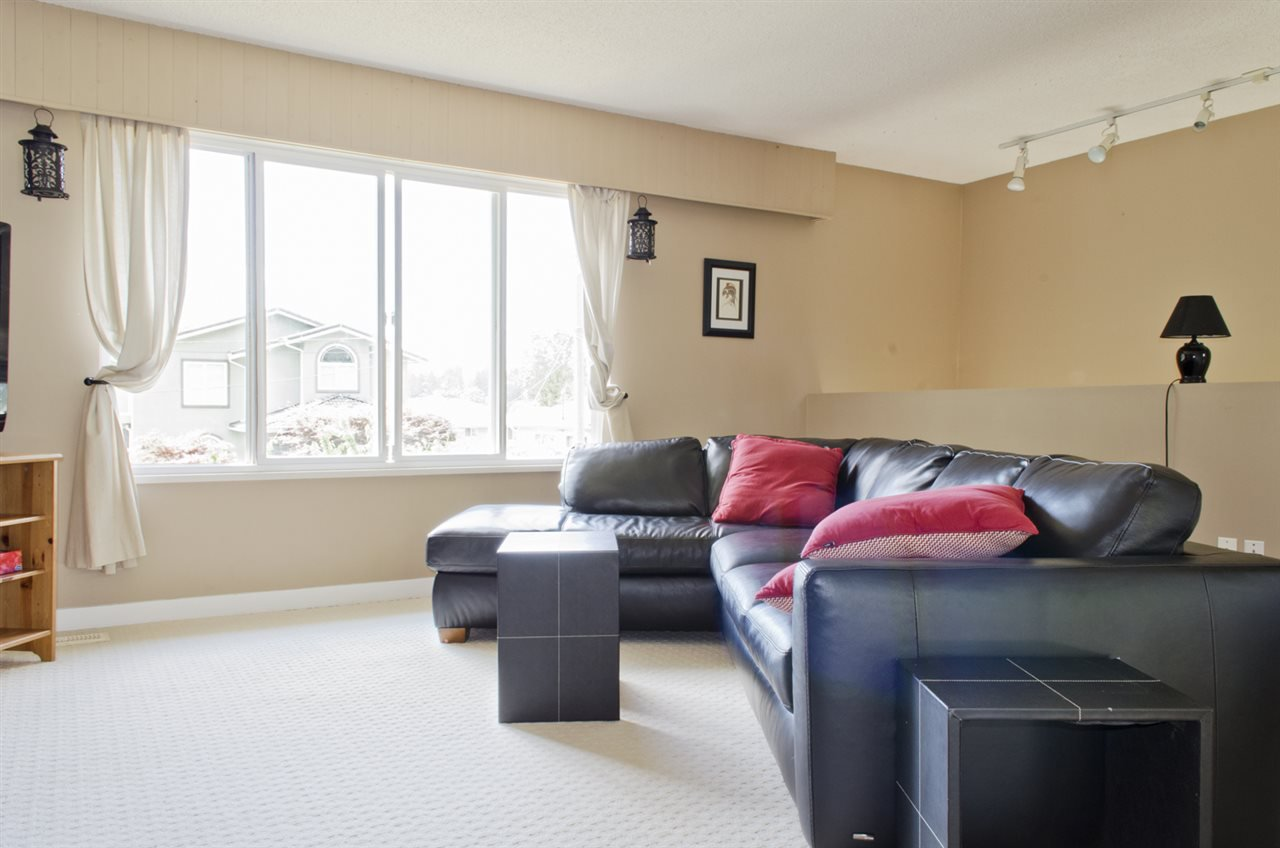 Photo 4: Photos: 839 CATHERINE Avenue in Coquitlam: Coquitlam West House for sale : MLS®# R2085426
