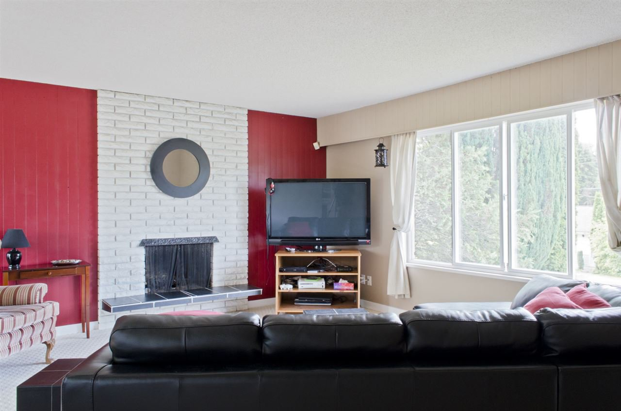 Photo 3: Photos: 839 CATHERINE Avenue in Coquitlam: Coquitlam West House for sale : MLS®# R2085426