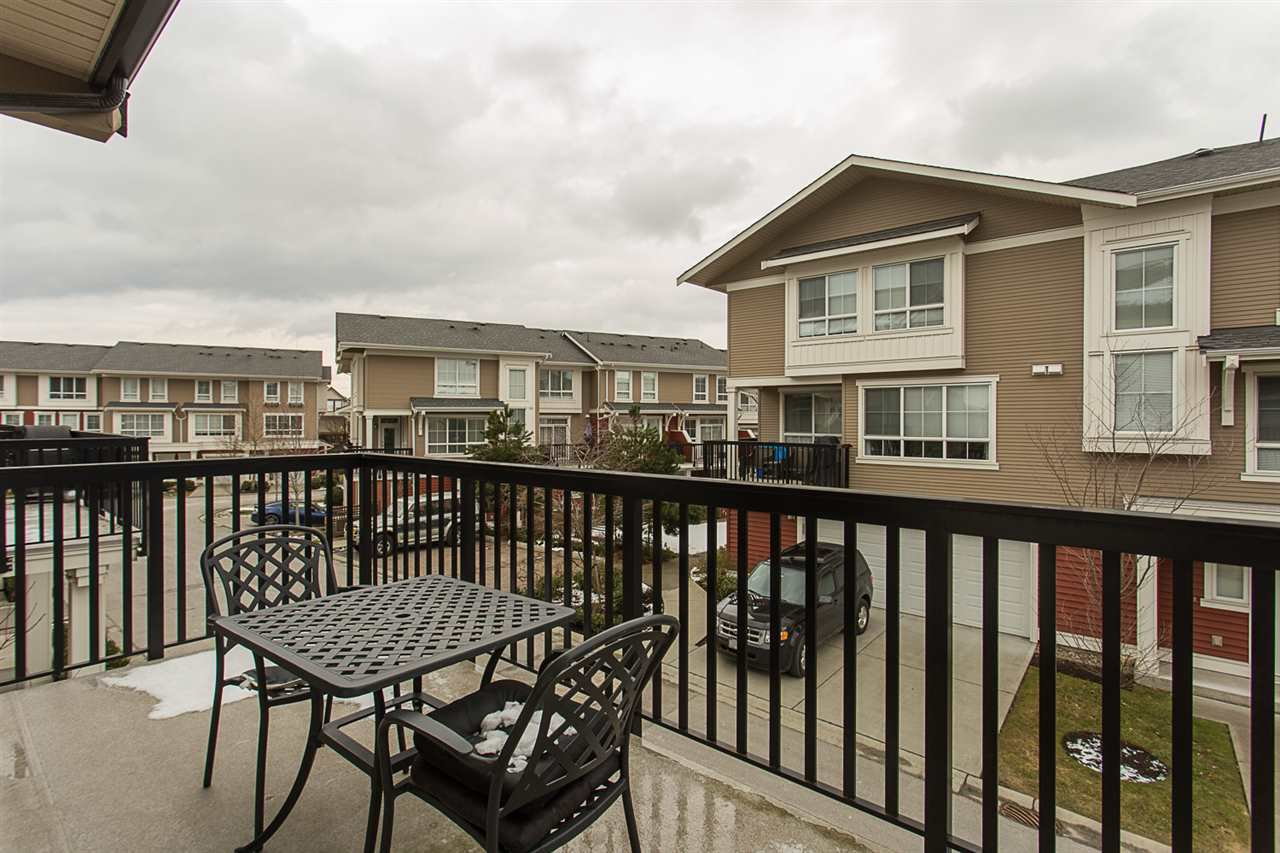 """Photo 18: Photos: 75 19505 68A Avenue in Surrey: Clayton Townhouse for sale in """"Clayton Rise"""" (Cloverdale)  : MLS®# R2142590"""