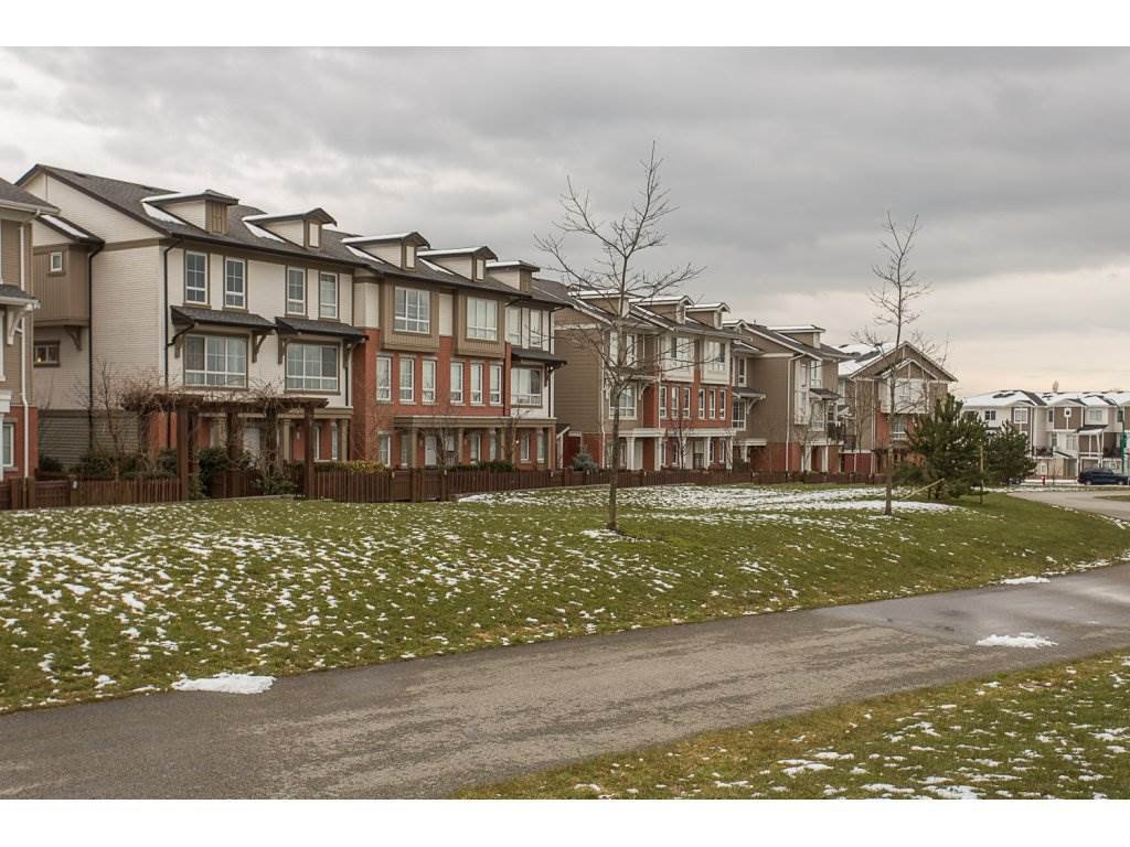 """Photo 2: Photos: 75 19505 68A Avenue in Surrey: Clayton Townhouse for sale in """"Clayton Rise"""" (Cloverdale)  : MLS®# R2142590"""
