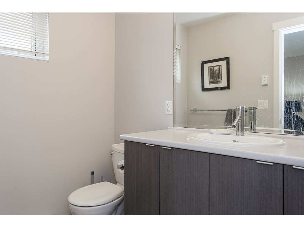 """Photo 12: Photos: 75 19505 68A Avenue in Surrey: Clayton Townhouse for sale in """"Clayton Rise"""" (Cloverdale)  : MLS®# R2142590"""