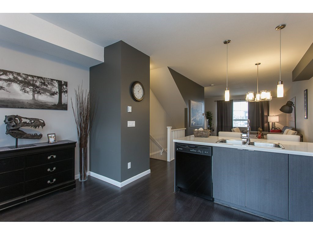 """Photo 5: Photos: 75 19505 68A Avenue in Surrey: Clayton Townhouse for sale in """"Clayton Rise"""" (Cloverdale)  : MLS®# R2142590"""