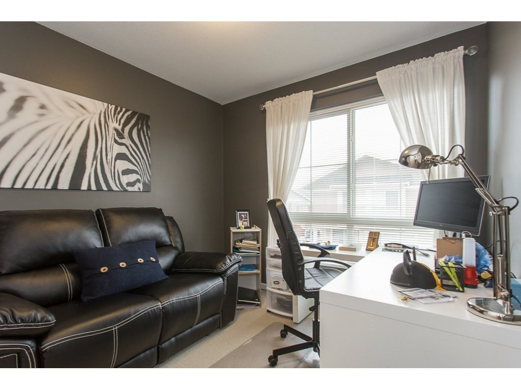 """Photo 16: Photos: 75 19505 68A Avenue in Surrey: Clayton Townhouse for sale in """"Clayton Rise"""" (Cloverdale)  : MLS®# R2142590"""
