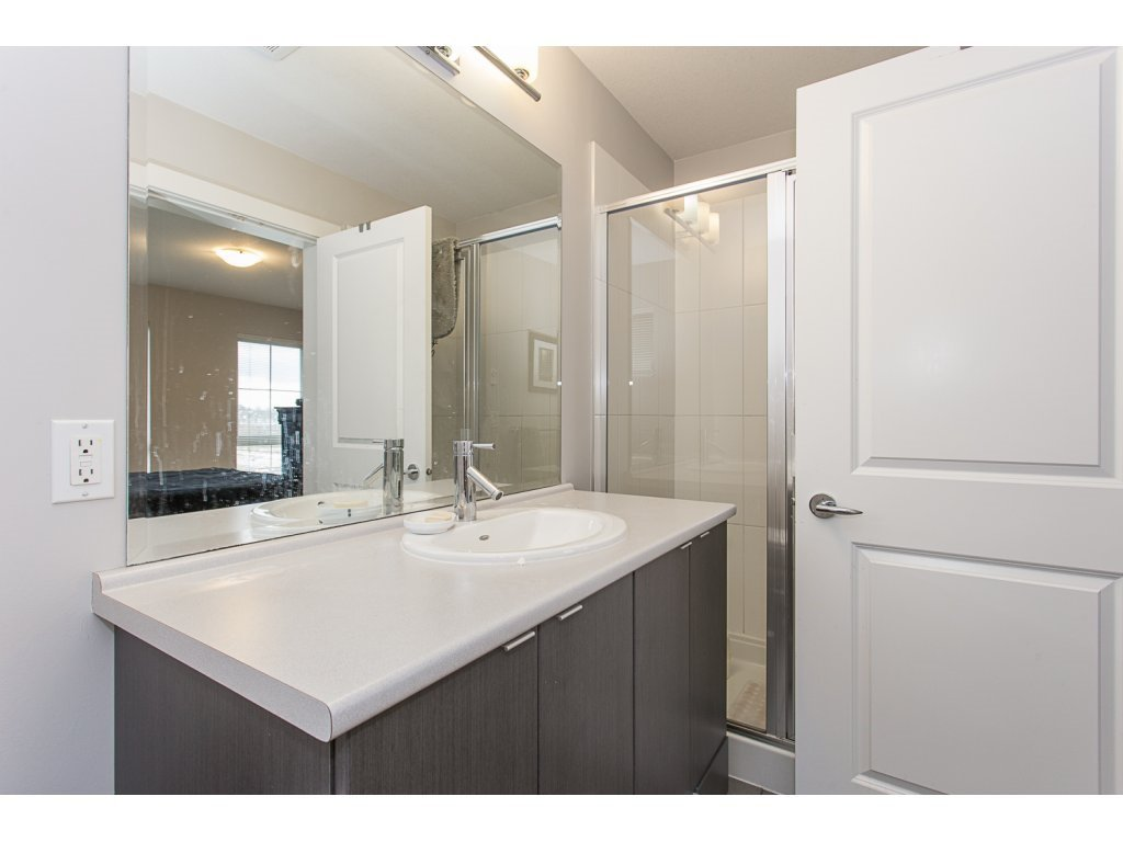 """Photo 13: Photos: 75 19505 68A Avenue in Surrey: Clayton Townhouse for sale in """"Clayton Rise"""" (Cloverdale)  : MLS®# R2142590"""