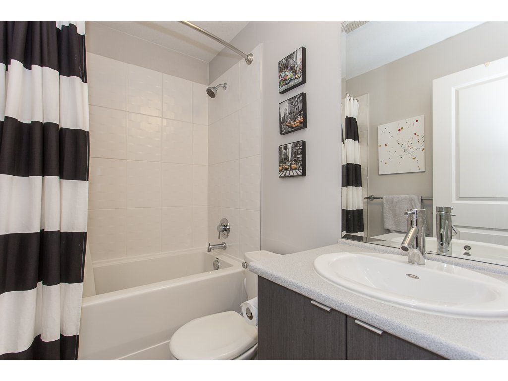 """Photo 15: Photos: 75 19505 68A Avenue in Surrey: Clayton Townhouse for sale in """"Clayton Rise"""" (Cloverdale)  : MLS®# R2142590"""