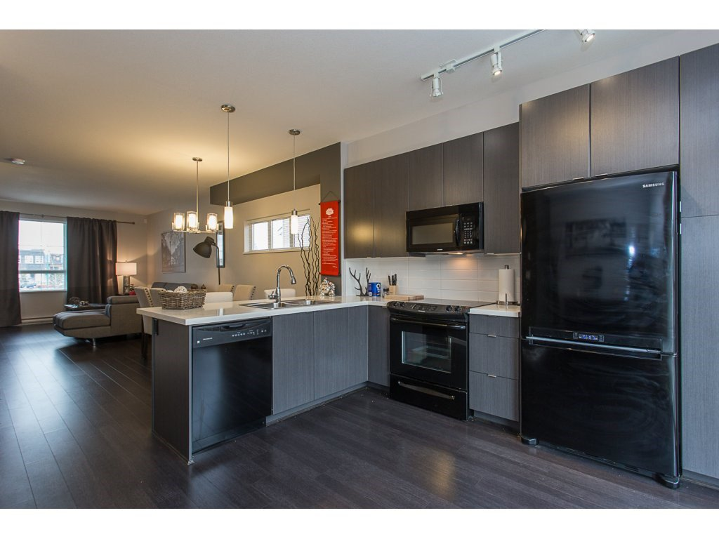 """Photo 4: Photos: 75 19505 68A Avenue in Surrey: Clayton Townhouse for sale in """"Clayton Rise"""" (Cloverdale)  : MLS®# R2142590"""