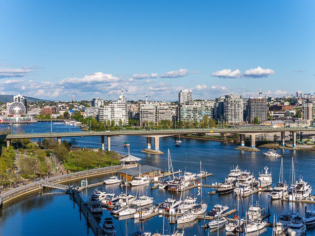 Main Photo: 1602 1201 MARINASIDE Crescent in Vancouver: Yaletown Condo for sale (Vancouver West)  : MLS®# R2163698