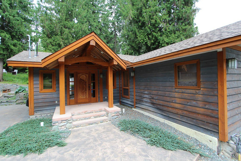Main Photo: 2489 Forest Drive: Blind Bay House for sale (Shuswap)  : MLS®# 10136151