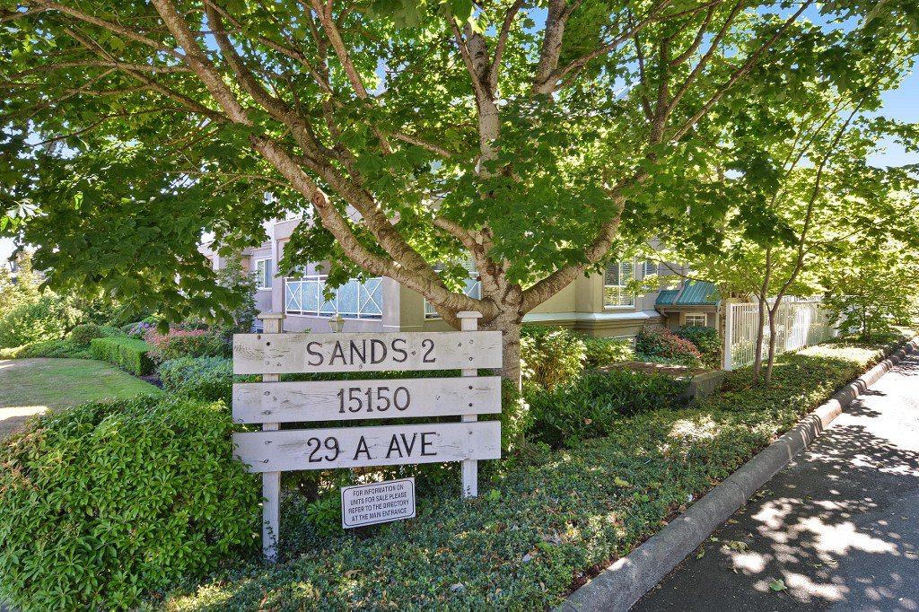 "Main Photo: 307 15150 29A Avenue in Surrey: King George Corridor Condo for sale in ""THE SANDS 2"" (South Surrey White Rock)  : MLS®# R2193309"