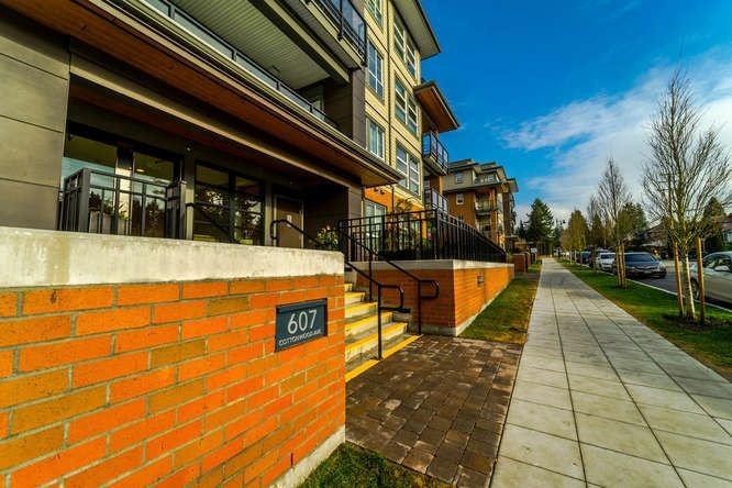 """Main Photo: 206 607 COTTONWOOD Avenue in Coquitlam: Coquitlam West Condo for sale in """"STANTON HOUSE BY POLYGON"""" : MLS®# R2243210"""