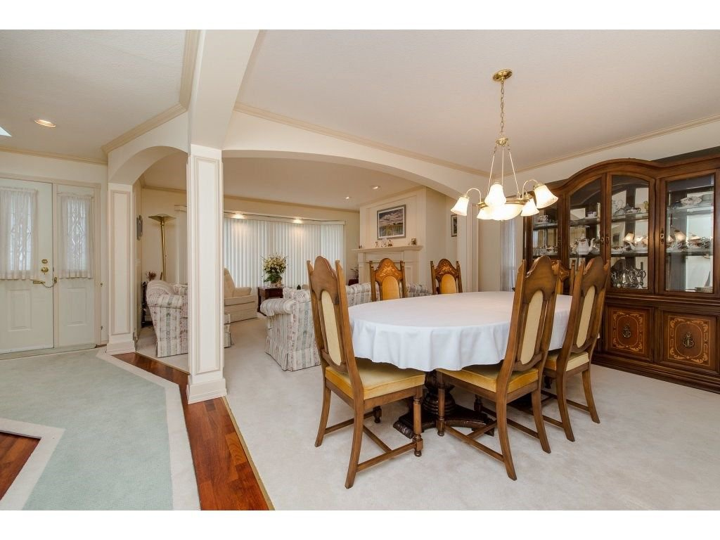 Photo 5: Photos: 2937 SOUTHERN Crescent in Abbotsford: Abbotsford West House for sale : MLS®# R2244498
