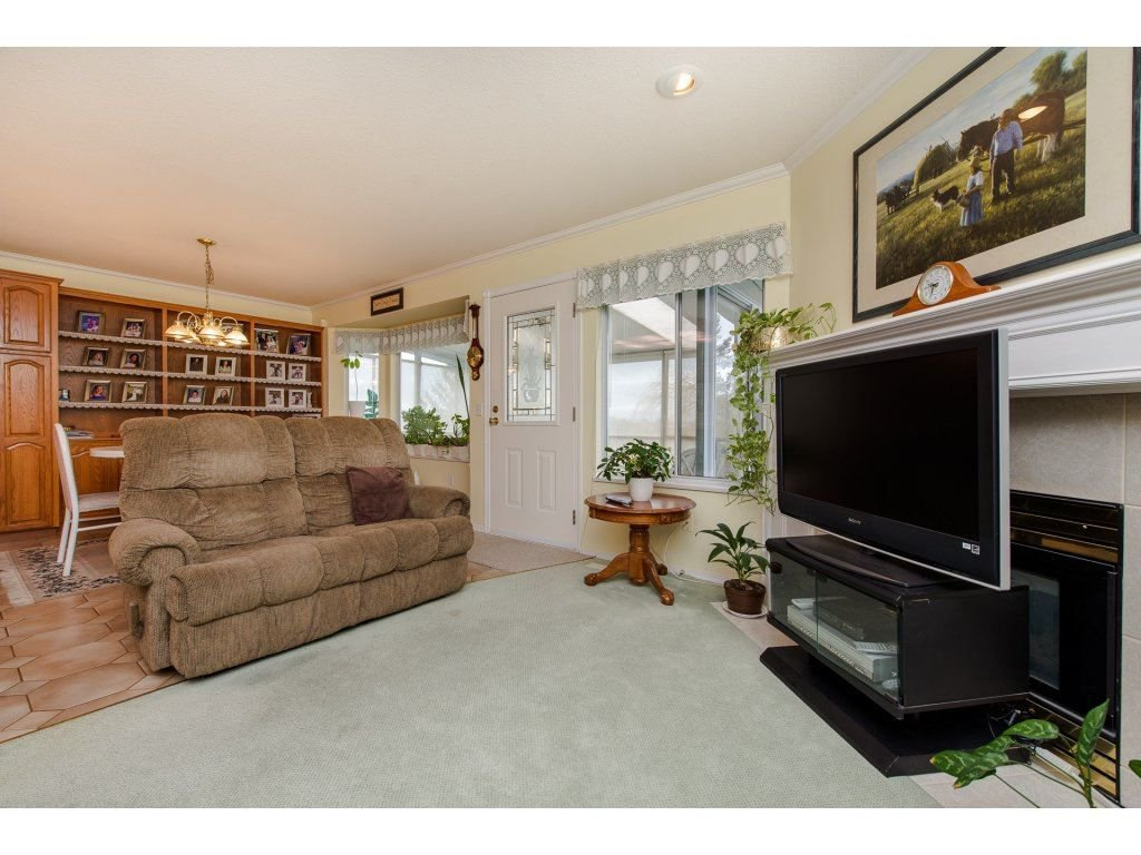Photo 11: Photos: 2937 SOUTHERN Crescent in Abbotsford: Abbotsford West House for sale : MLS®# R2244498