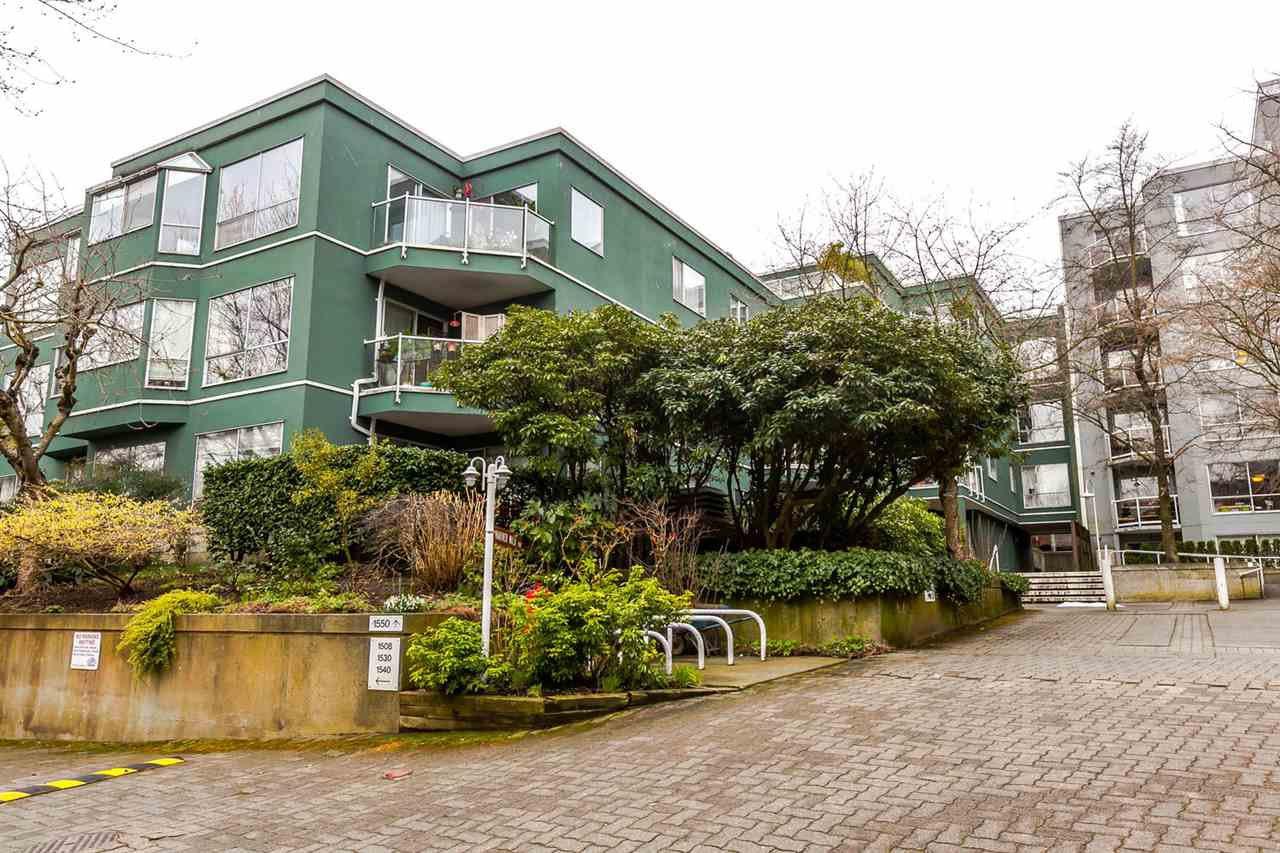 Main Photo: 201 1550 MARINER WALK in Vancouver: False Creek Condo for sale (Vancouver West)  : MLS®# R2245004