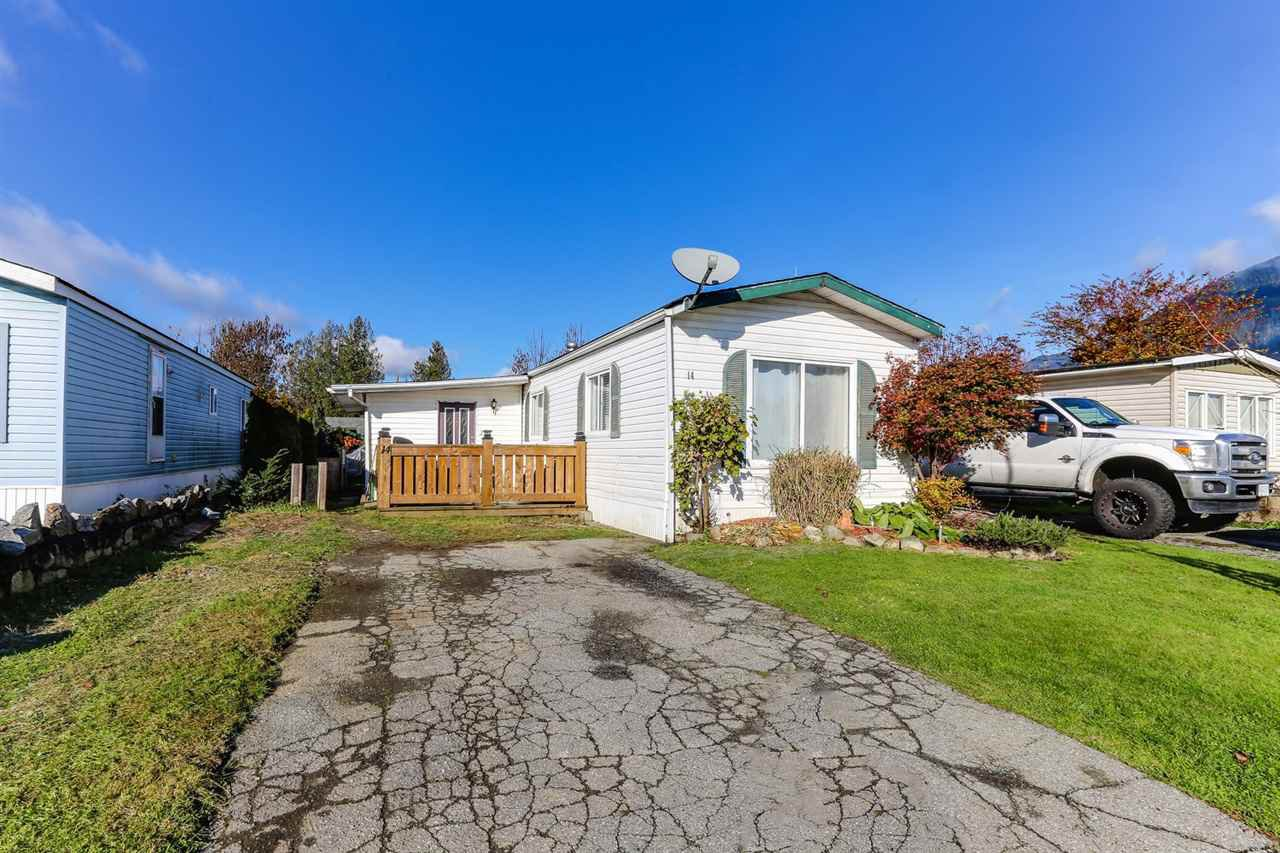 """Main Photo: 14 9267 SHOOK Road in Mission: Mission BC Manufactured Home for sale in """"GREEN ACRES MOBILE PARK"""" : MLS®# R2324139"""