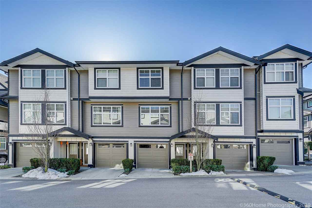 "Main Photo: 25 6350 142 Street in Surrey: Sullivan Station Townhouse for sale in ""Canvas"" : MLS®# R2343782"