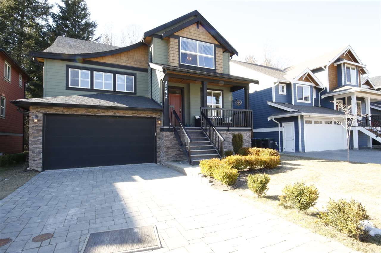 """Main Photo: 39073 KINGFISHER Road in Squamish: Brennan Center House for sale in """"THE MAPLES"""" : MLS®# R2346561"""