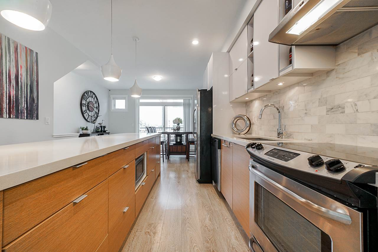 """Main Photo: 4 14433 60 Avenue in Surrey: Sullivan Station Townhouse for sale in """"Brixton"""" : MLS®# R2363817"""