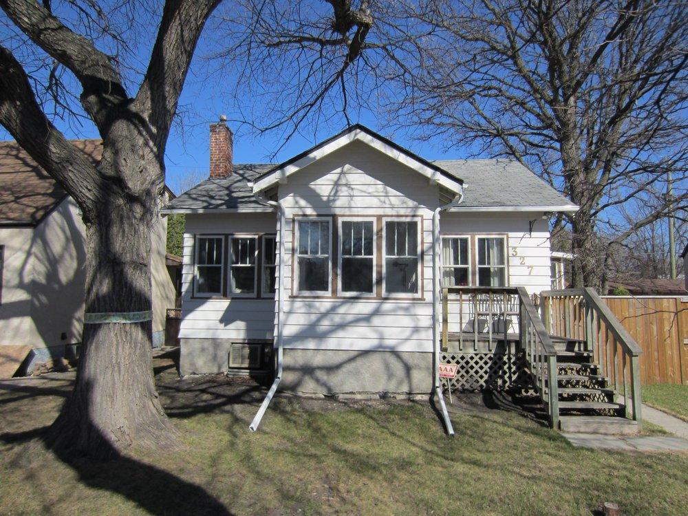 Main Photo:  in Winnipeg: Deer Lodge House for sale ()