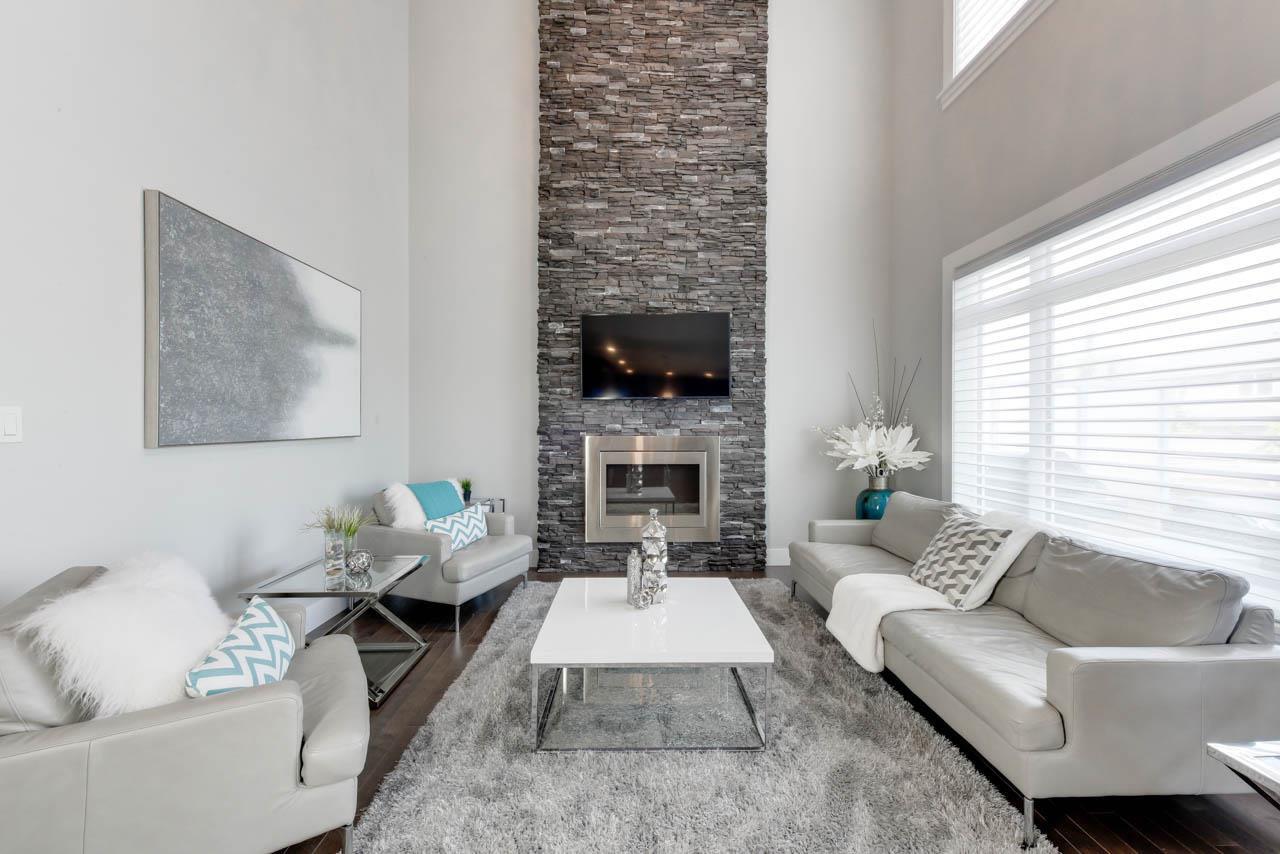 Main Photo: 9012 24 Avenue in Edmonton: Zone 53 House for sale : MLS®# E4167291