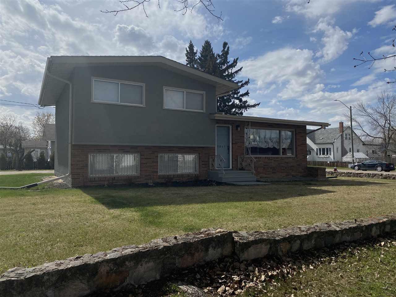 Main Photo: 9847 106 Street: Westlock House for sale : MLS®# E4189572