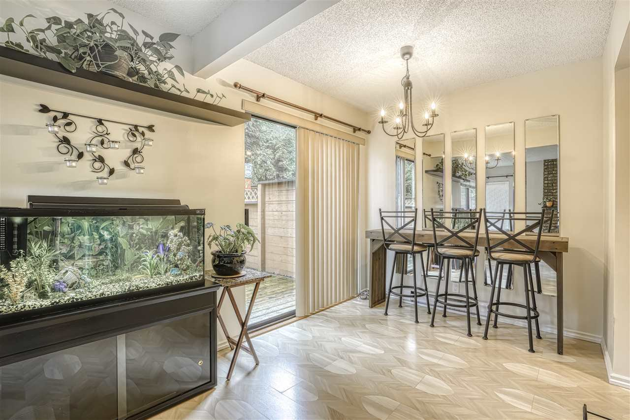 """Main Photo: 2300 10620 150TH Street in Surrey: Guildford Townhouse for sale in """"LINCOLNS GATE"""" (North Surrey)  : MLS®# R2442302"""