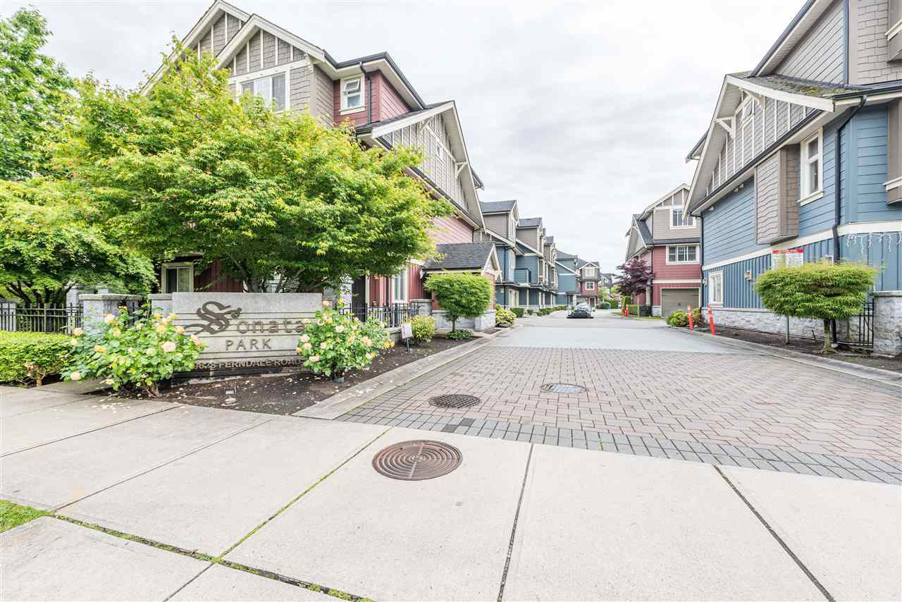 """Main Photo: 22 9628 FERNDALE Road in Richmond: McLennan North Townhouse for sale in """"SONATA PARK/MCLENNAN NORTH"""" : MLS®# R2466644"""