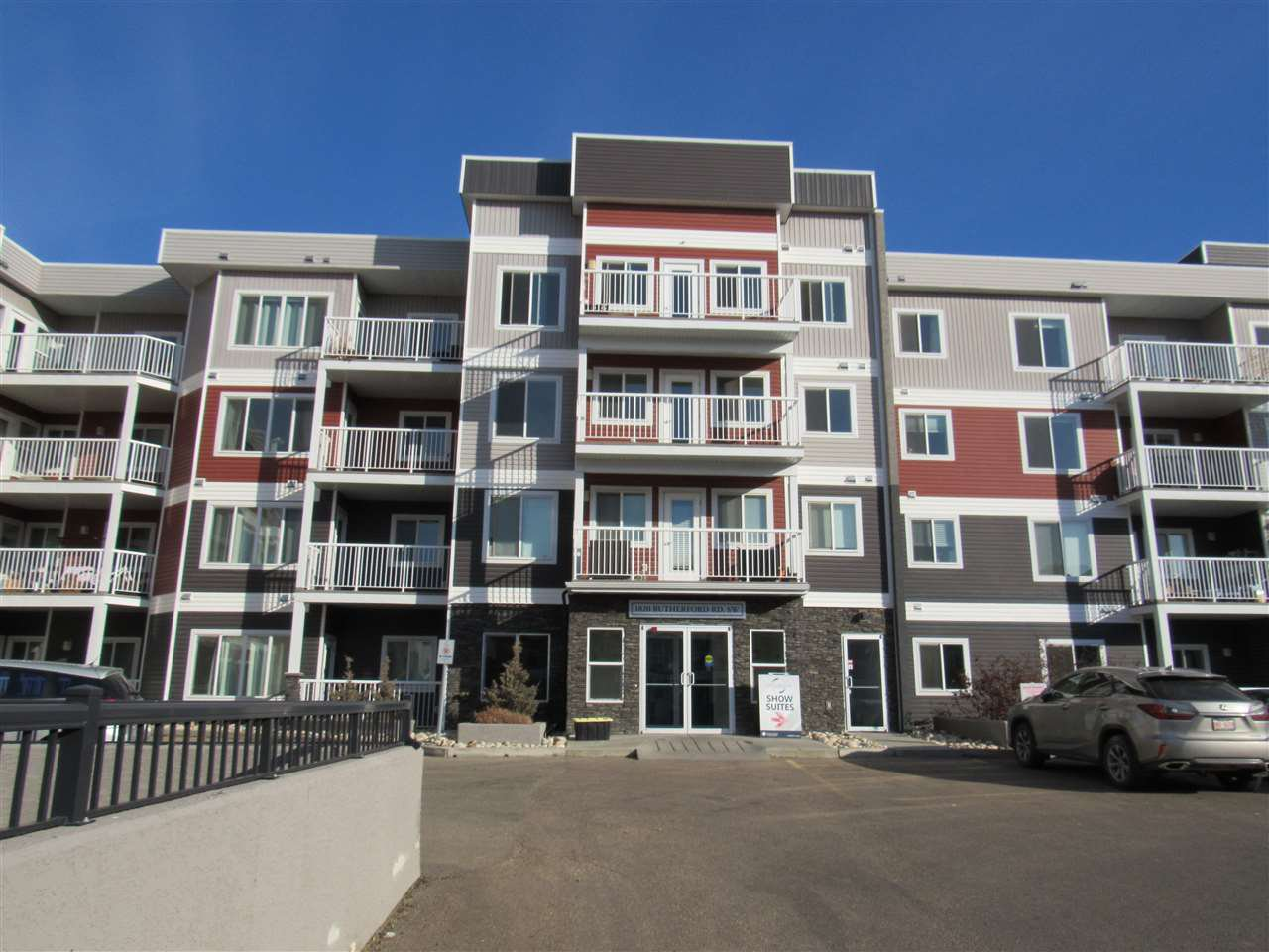 Main Photo: 111 1820 RUTHERFORD Road in Edmonton: Zone 55 Condo for sale : MLS®# E4219067