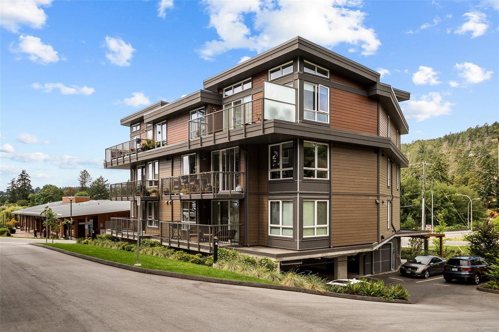 Main Photo: 301 100 Presley Pl in : VR Six Mile Condo for sale (View Royal)  : MLS®# 859587