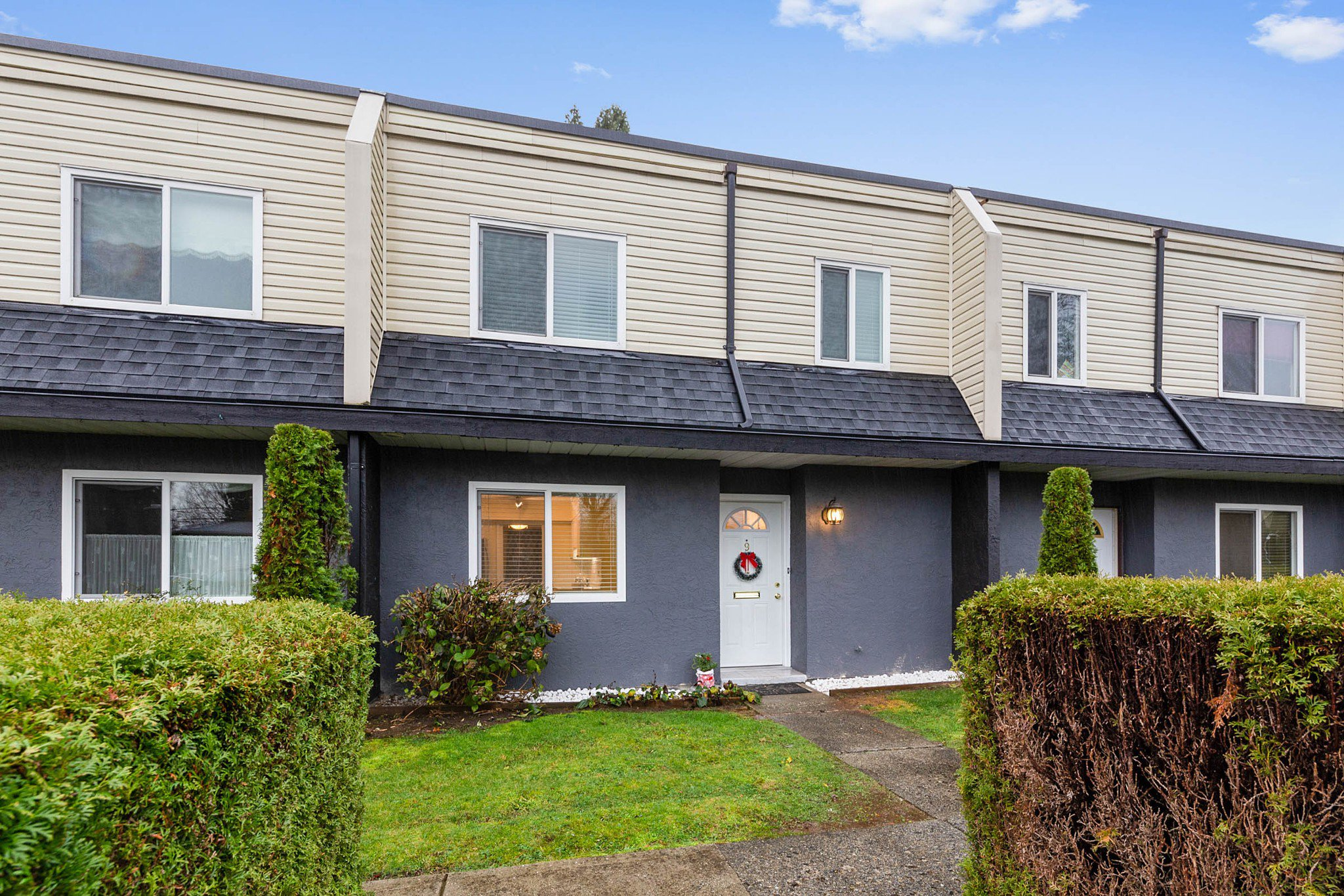 Main Photo: 9 2957 OXFORD Street in Port Coquitlam: Glenwood PQ Townhouse for sale : MLS®# R2519908