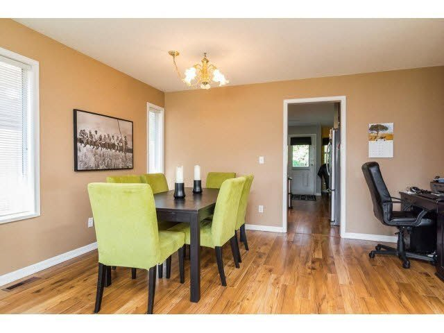Photo 4: Photos: 4841 208A Street in Langley: Langley City House for sale : MLS®# F1448585