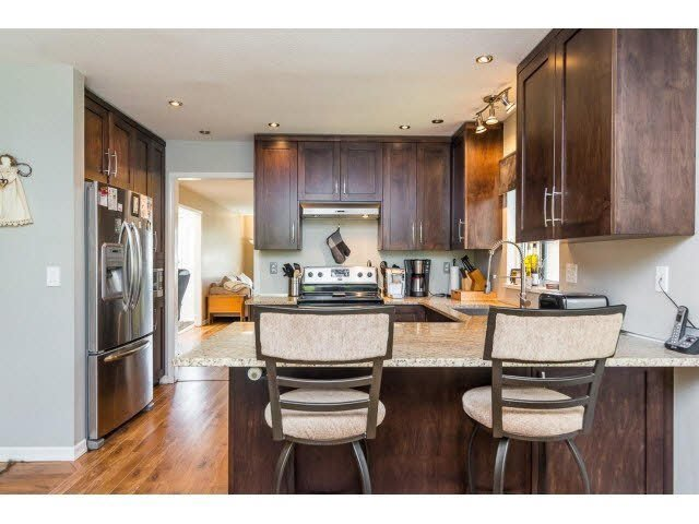 Photo 10: Photos: 4841 208A Street in Langley: Langley City House for sale : MLS®# F1448585