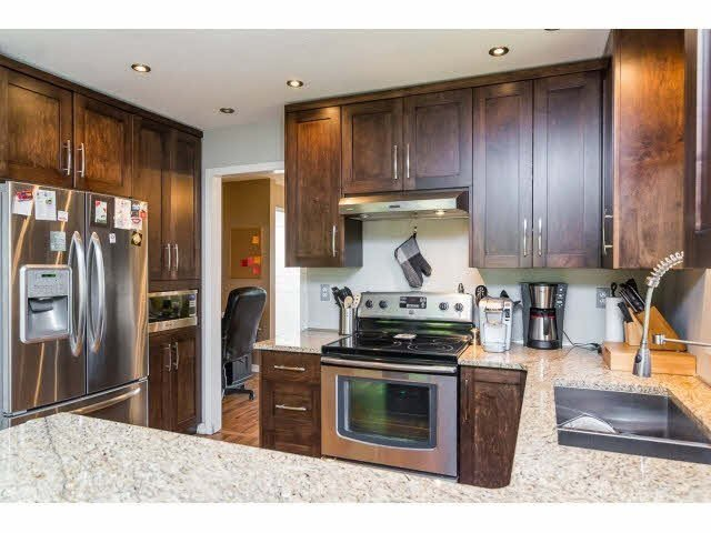 Photo 11: Photos: 4841 208A Street in Langley: Langley City House for sale : MLS®# F1448585