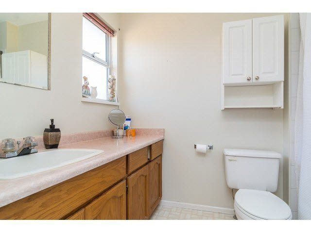 Photo 16: Photos: 4841 208A Street in Langley: Langley City House for sale : MLS®# F1448585