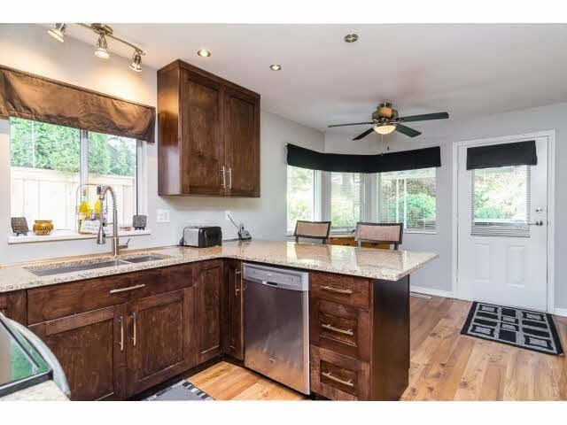 Photo 13: Photos: 4841 208A Street in Langley: Langley City House for sale : MLS®# F1448585