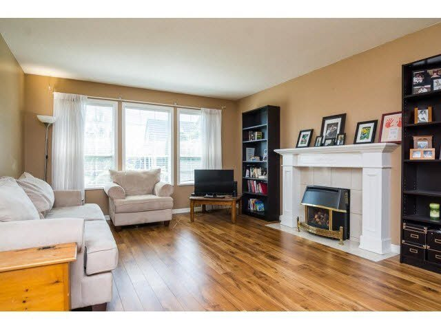 Photo 2: Photos: 4841 208A Street in Langley: Langley City House for sale : MLS®# F1448585