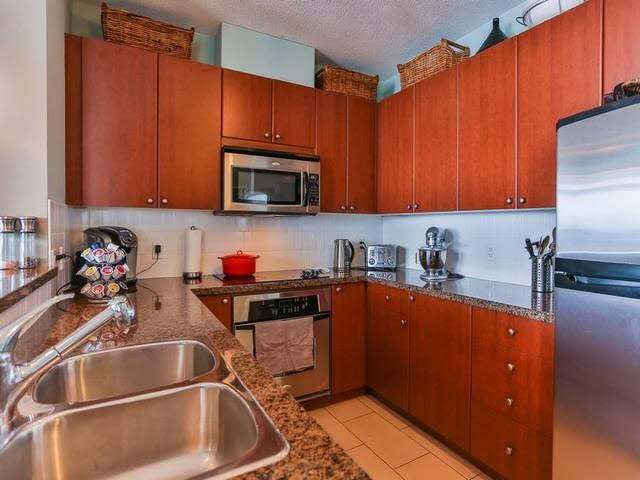 Photo 7: Photos: 1903 15 E ROYAL Avenue in NEW WEST: Fraserview NW Condo for sale (New Westminster)  : MLS®# V1141960