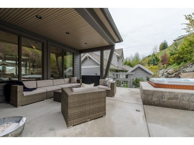 "Photo 19: Photos: 20 35689 GOODBRAND Drive in Abbotsford: Abbotsford East House for sale in ""Waterford Landing"" : MLS®# R2054150"