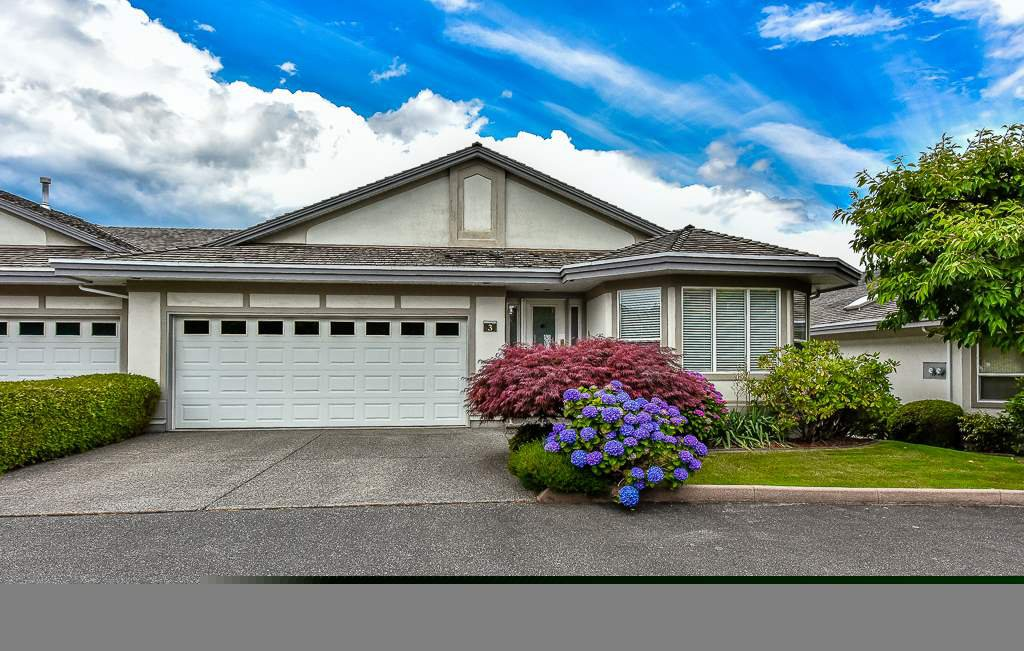 "Main Photo: 3 31445 RIDGEVIEW Drive in Abbotsford: Abbotsford West Townhouse for sale in ""PANORAMA ESTATES"" : MLS®# R2081810"