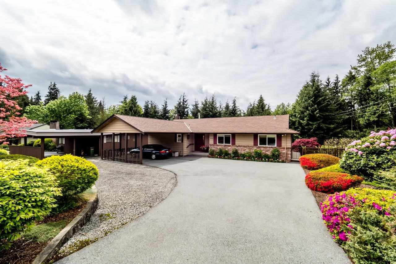 """Photo 1: Photos: 919 STRATHAVEN Drive in North Vancouver: Windsor Park NV House for sale in """"WINDSOR PARK"""" : MLS®# R2168903"""