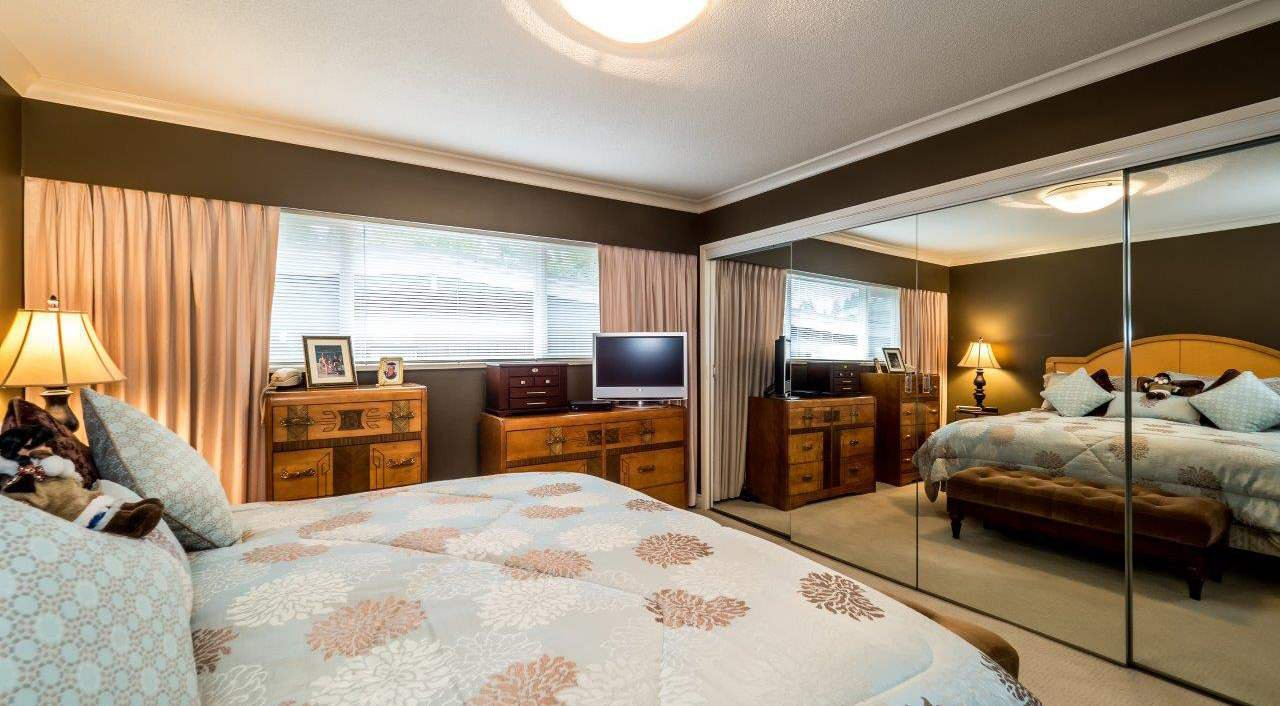 """Photo 8: Photos: 919 STRATHAVEN Drive in North Vancouver: Windsor Park NV House for sale in """"WINDSOR PARK"""" : MLS®# R2168903"""