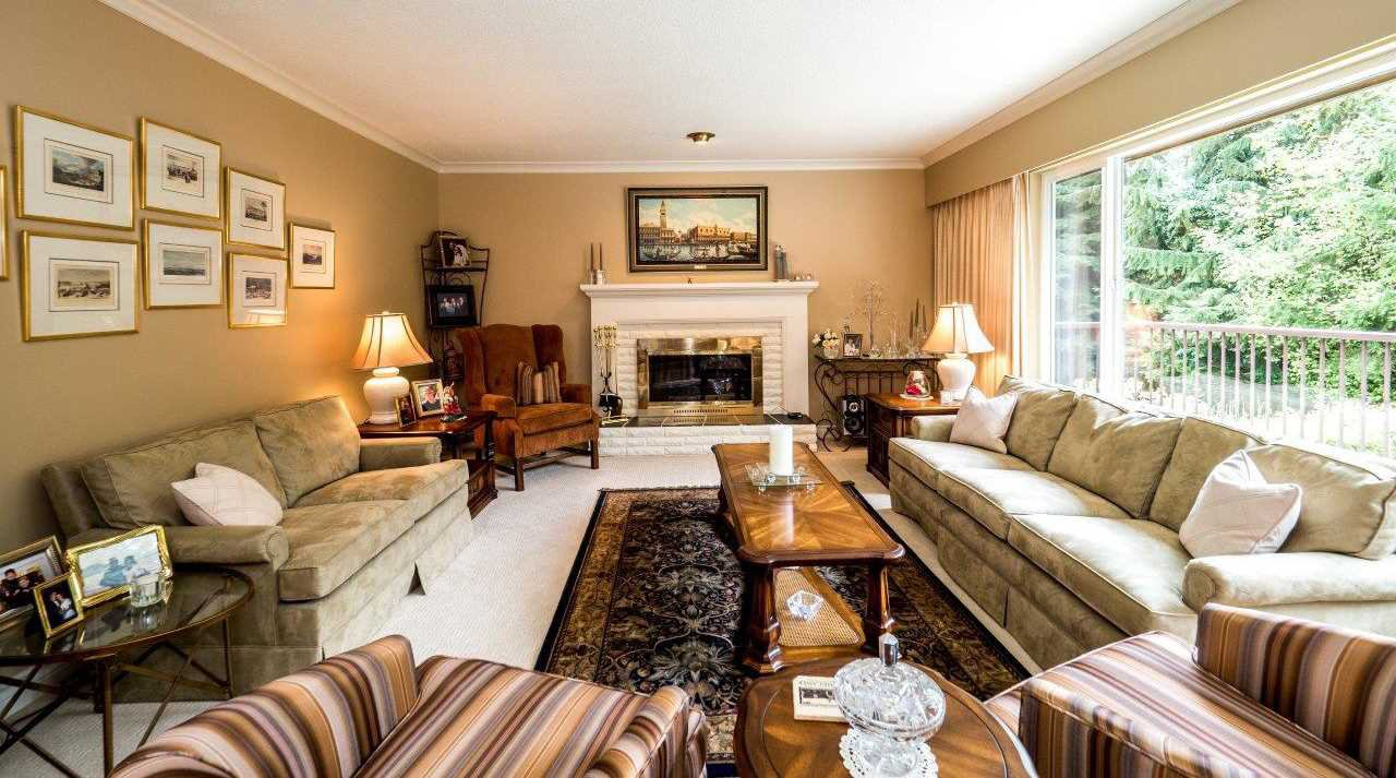 """Photo 3: Photos: 919 STRATHAVEN Drive in North Vancouver: Windsor Park NV House for sale in """"WINDSOR PARK"""" : MLS®# R2168903"""