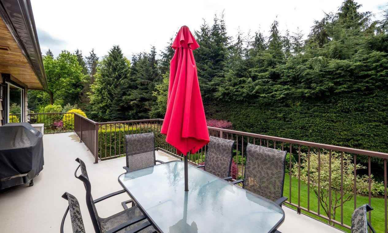"""Photo 16: Photos: 919 STRATHAVEN Drive in North Vancouver: Windsor Park NV House for sale in """"WINDSOR PARK"""" : MLS®# R2168903"""