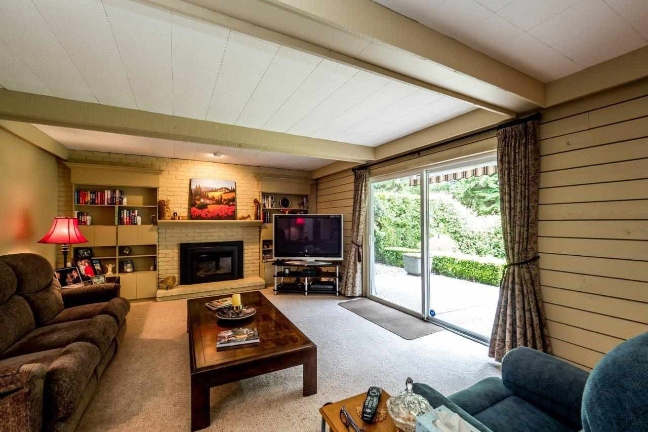 """Photo 12: Photos: 919 STRATHAVEN Drive in North Vancouver: Windsor Park NV House for sale in """"WINDSOR PARK"""" : MLS®# R2168903"""