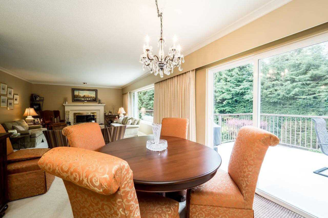 """Photo 4: Photos: 919 STRATHAVEN Drive in North Vancouver: Windsor Park NV House for sale in """"WINDSOR PARK"""" : MLS®# R2168903"""