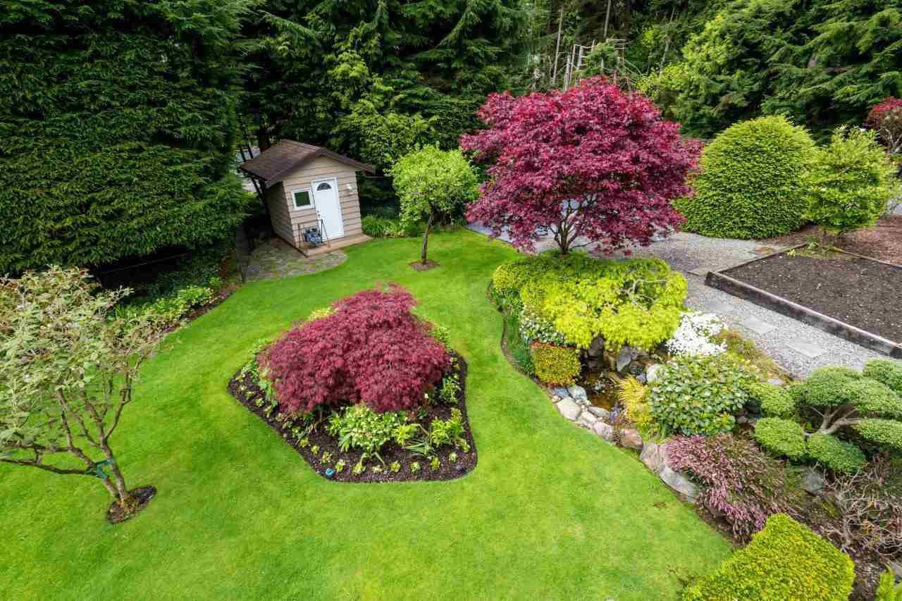 """Photo 18: Photos: 919 STRATHAVEN Drive in North Vancouver: Windsor Park NV House for sale in """"WINDSOR PARK"""" : MLS®# R2168903"""