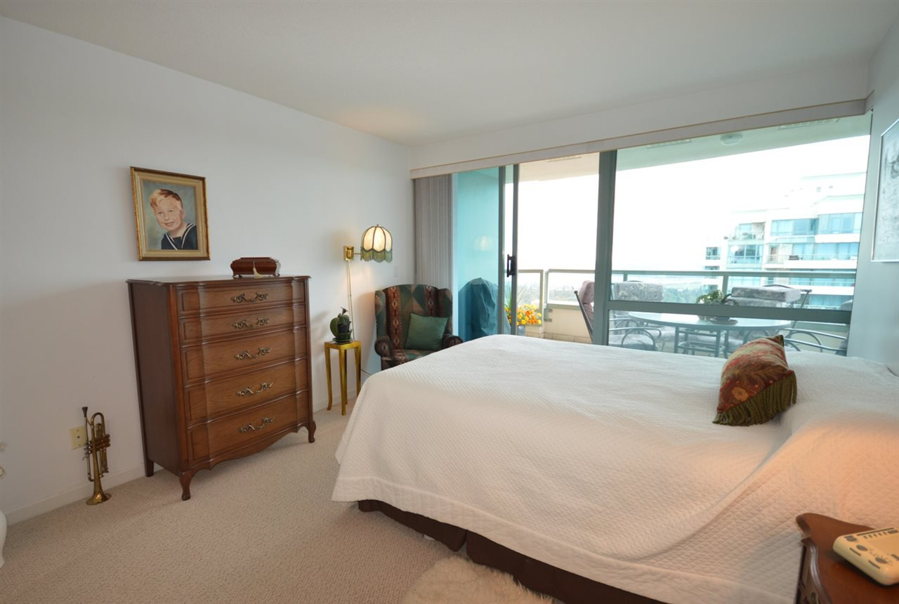 """Photo 16: Photos: 1704 6611 SOUTHOAKS Crescent in Burnaby: Highgate Condo for sale in """"GEMINI 1"""" (Burnaby South)  : MLS®# R2201383"""