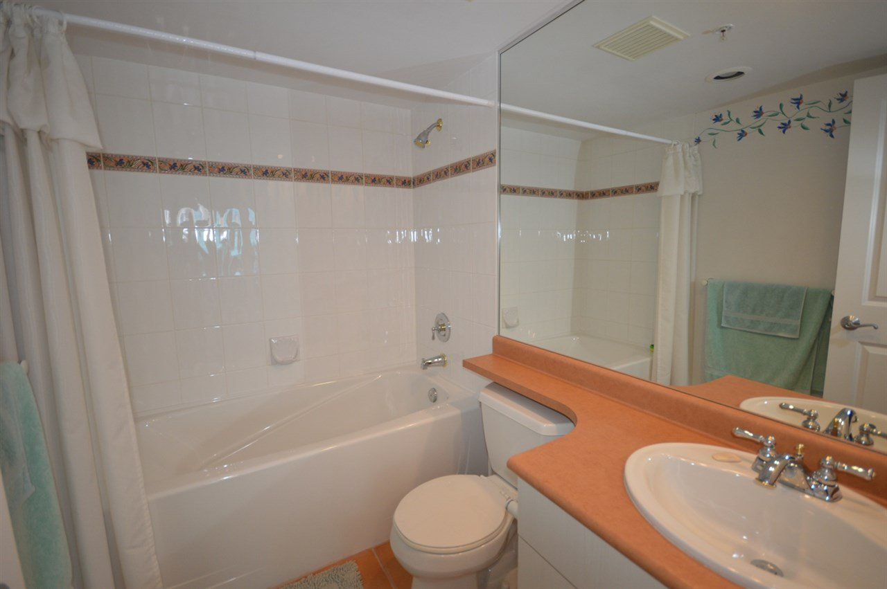 """Photo 18: Photos: 1704 6611 SOUTHOAKS Crescent in Burnaby: Highgate Condo for sale in """"GEMINI 1"""" (Burnaby South)  : MLS®# R2201383"""