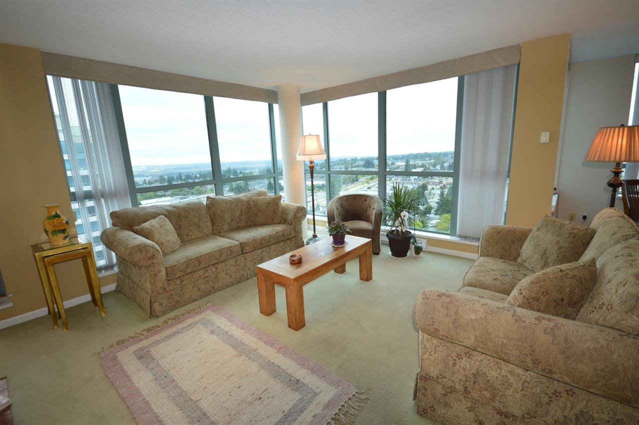 """Photo 10: Photos: 1704 6611 SOUTHOAKS Crescent in Burnaby: Highgate Condo for sale in """"GEMINI 1"""" (Burnaby South)  : MLS®# R2201383"""