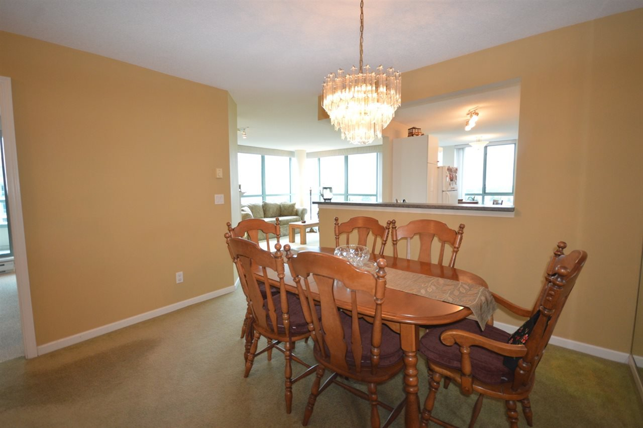"""Photo 8: Photos: 1704 6611 SOUTHOAKS Crescent in Burnaby: Highgate Condo for sale in """"GEMINI 1"""" (Burnaby South)  : MLS®# R2201383"""