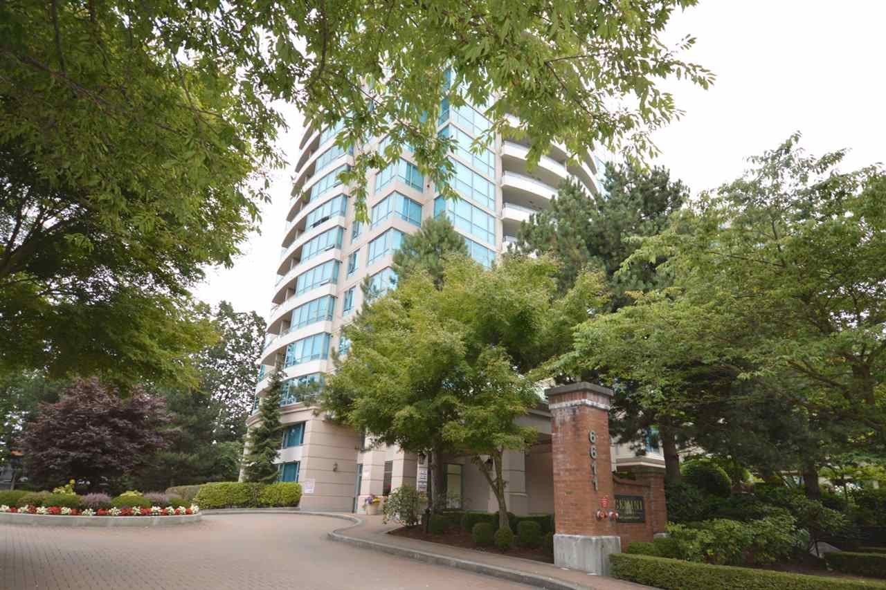 "Main Photo: 1704 6611 SOUTHOAKS Crescent in Burnaby: Highgate Condo for sale in ""GEMINI 1"" (Burnaby South)  : MLS®# R2201383"